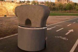 Bolardo personalizable y teledirigido monumento Lazarillo